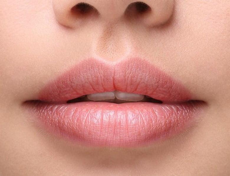 Trajna šminka kapaka ili usana