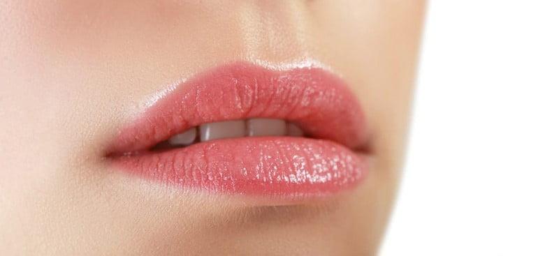 Trajna sminka usana